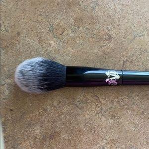 KvD highlight brush